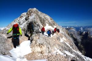 Po grebenu z Maleta Triglava na vrh.