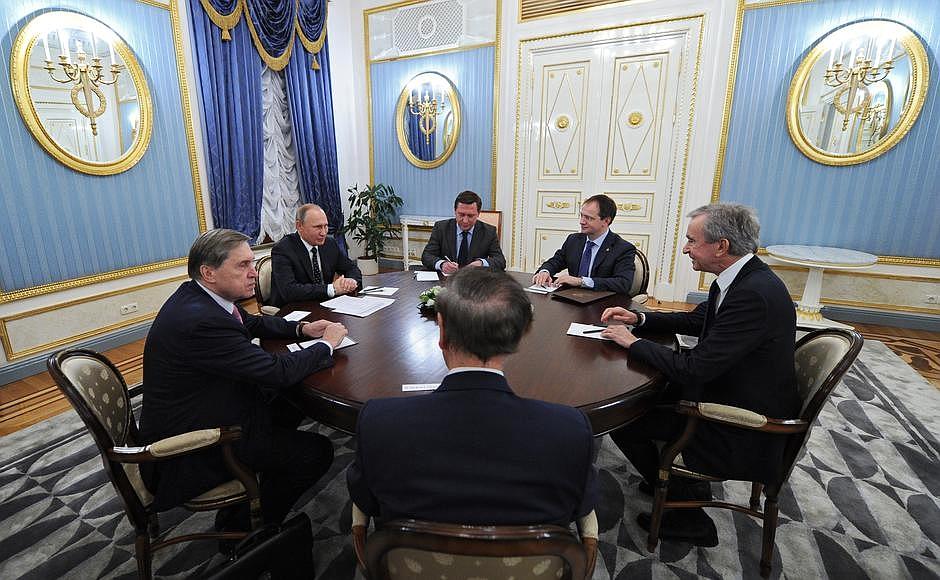 Bernard Arnault in Vladimir Putin