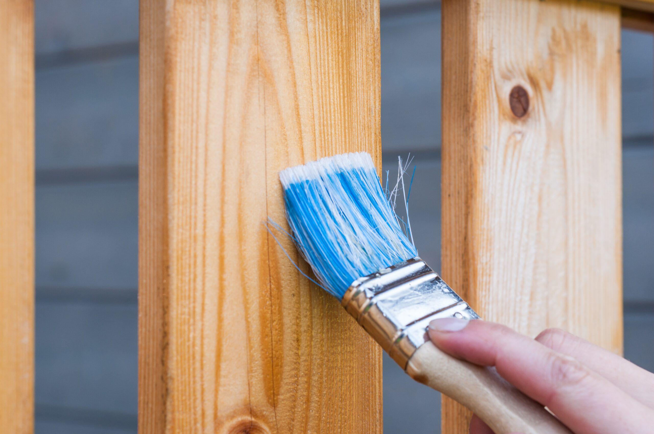 Prebarvajte vaše stare, lesene površine
