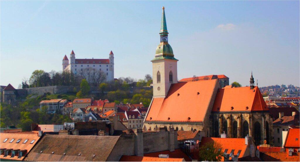 Katedrala sv. Martina v Bratislavi (vir: slovakia.com)