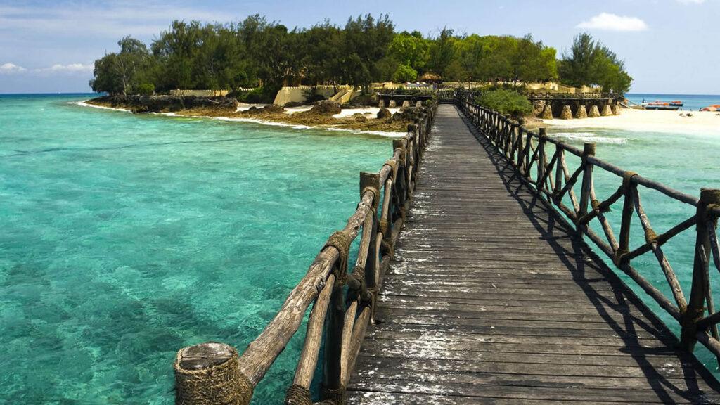 Otok zapornikov je tik ob glavnemu otoku Zanzibarja