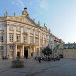 Palača parlamenta Bratislava (slovakia.com)