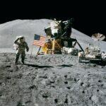 Teorije zarote ne ostajajo le na našem planetu, saj jih najdemo tudi na Luni