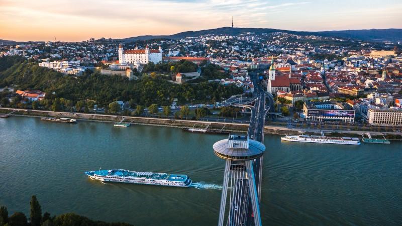 UFO Bratislava (vir: slovakia.com)