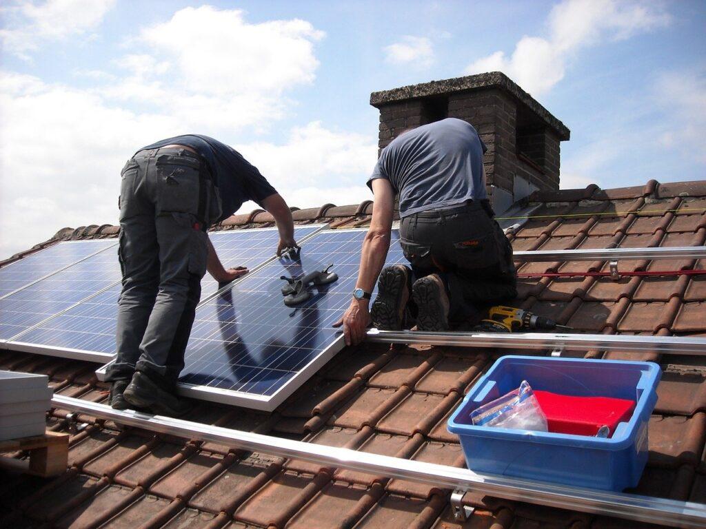 Nakup in namestitev sončne elektrarne sta dokaj enostavna procesa
